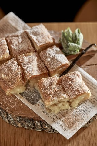 Greek_Breakfast_Herodion_hotel_bougatsa