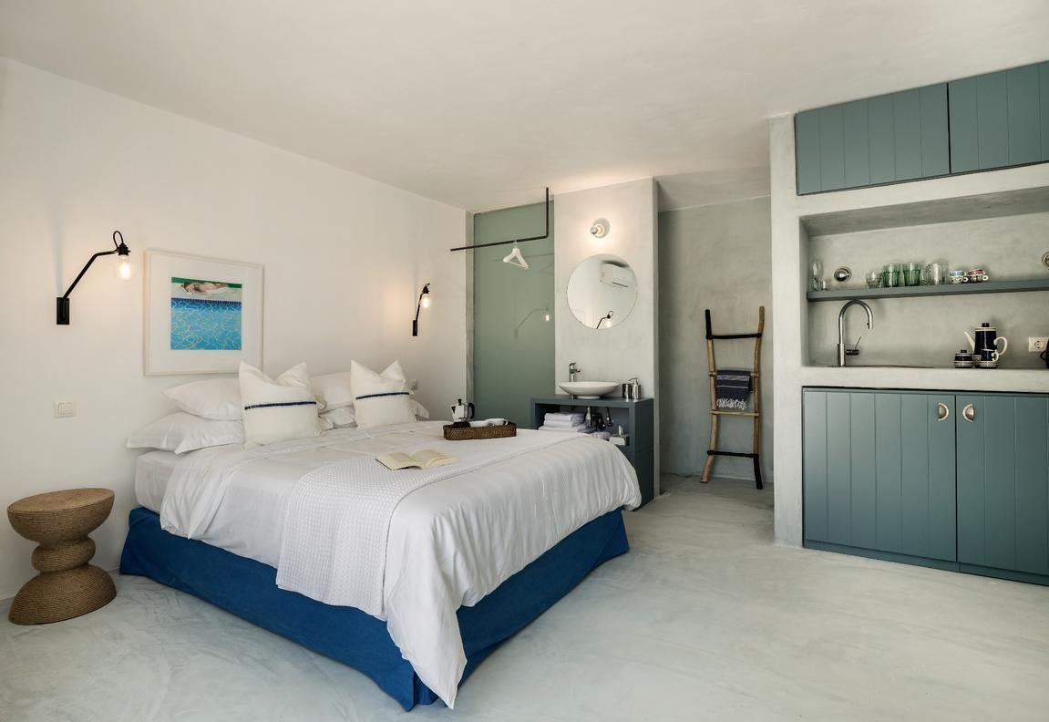 Bougain_Villa_guest_annex_bedroom_0