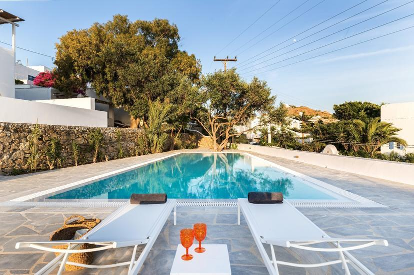 BougainVilla-Mykonos_swimming_room